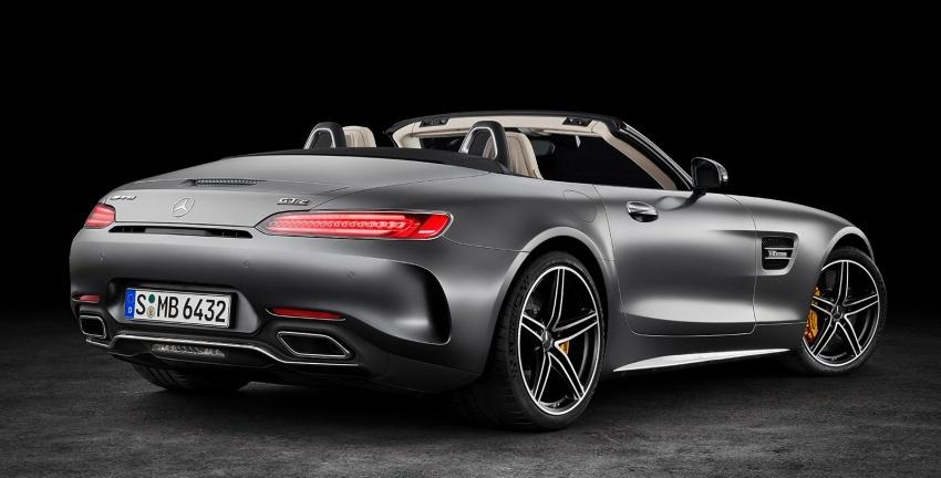 Mercedes-AMG GT C Roadster – punya kuasa 557hp, 680Nm tork dan kelengkapan prestasi daripada GT R Image #549317