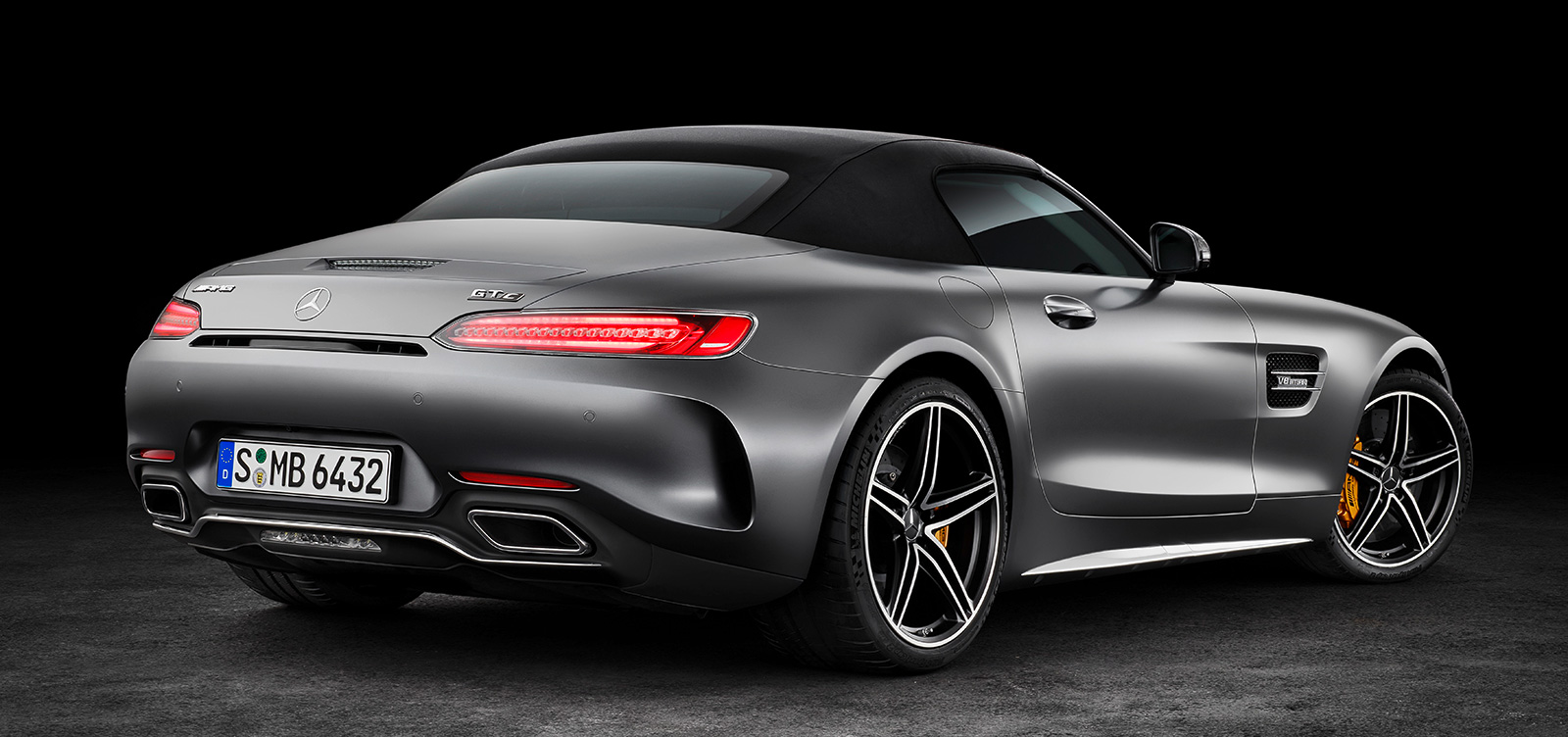 mercedes amg gt c roadster 557 hp 680 nm convertible with goodies from the gt r image 549170. Black Bedroom Furniture Sets. Home Design Ideas