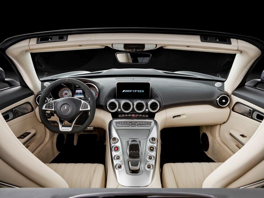 Mercedes-AMG GT C Roadster – punya kuasa 557hp, 680Nm tork dan kelengkapan prestasi daripada GT R Image #549322