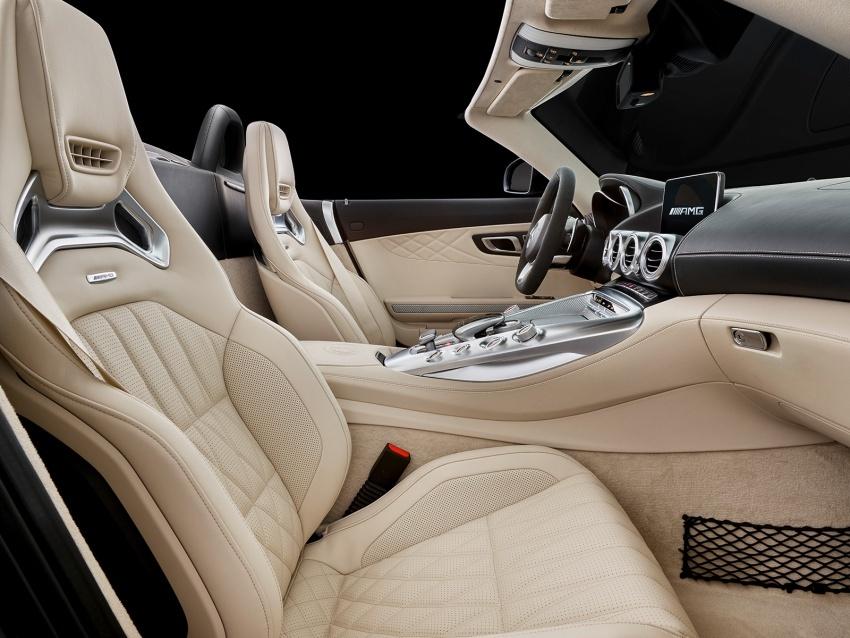 Mercedes-AMG GT C Roadster – punya kuasa 557hp, 680Nm tork dan kelengkapan prestasi daripada GT R Image #549323