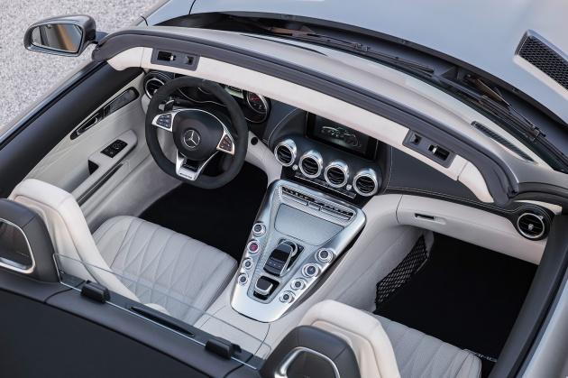 Mercedes-AMG GT C Roadster – punya kuasa 557hp, 680Nm tork dan kelengkapan prestasi daripada GT R Image #549321