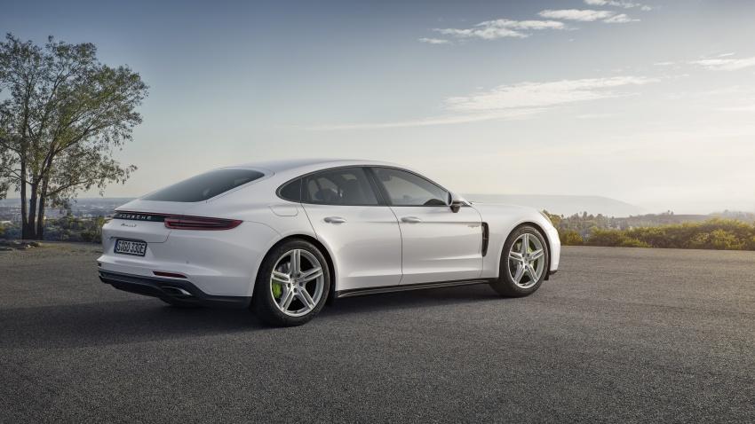 Porsche Panamera 4 E-Hybrid – 462 hp plug-in hybrid Image #547680