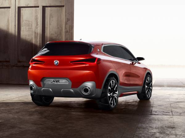 BMW Concept X2 unveiled in Paris – it's the 'X1 Coupe' Image #556999