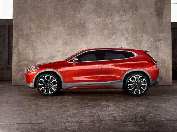 BMW Concept X2 unveiled in Paris – it's the 'X1 Coupe' Image #557005