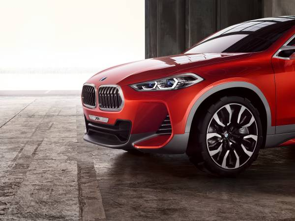 BMW Concept X2 unveiled in Paris – it's the 'X1 Coupe' Image #557011