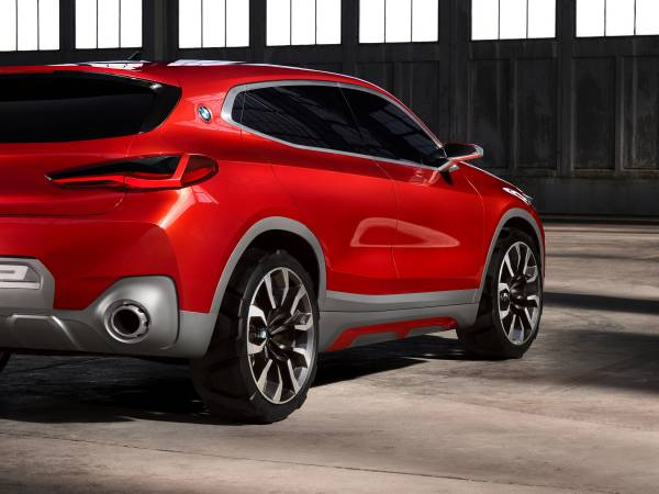 BMW Concept X2 unveiled in Paris – it's the 'X1 Coupe' Image #557017