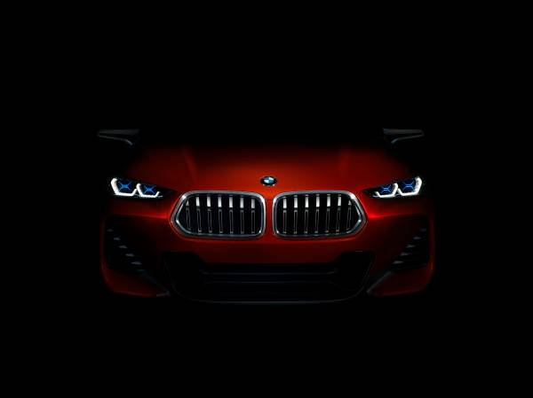 BMW Concept X2 unveiled in Paris – it's the 'X1 Coupe' Image #557021