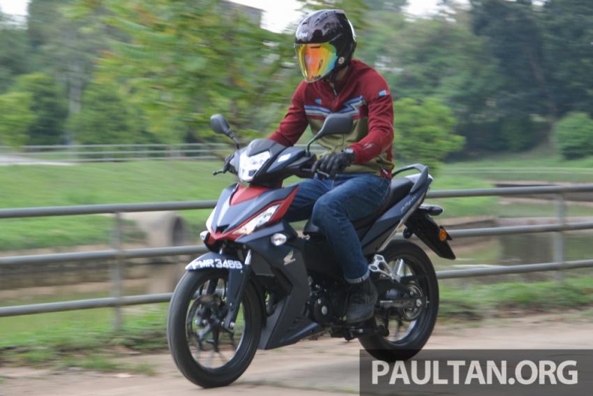 Honda RS150R vs Yamaha Y15ZR – Dua model terhangat bersemuka dalam segmen kapcai sports Image #549579
