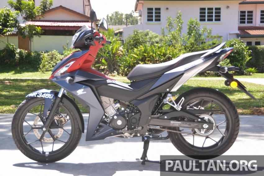 Honda RS150R vs Yamaha Y15ZR – Dua model terhangat bersemuka dalam segmen kapcai sports Image #549600