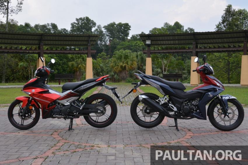 Honda RS150R vs Yamaha Y15ZR – Dua model terhangat bersemuka dalam segmen kapcai sports Image #549571