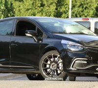 renault-clio-rs-16-production-spyshots-2