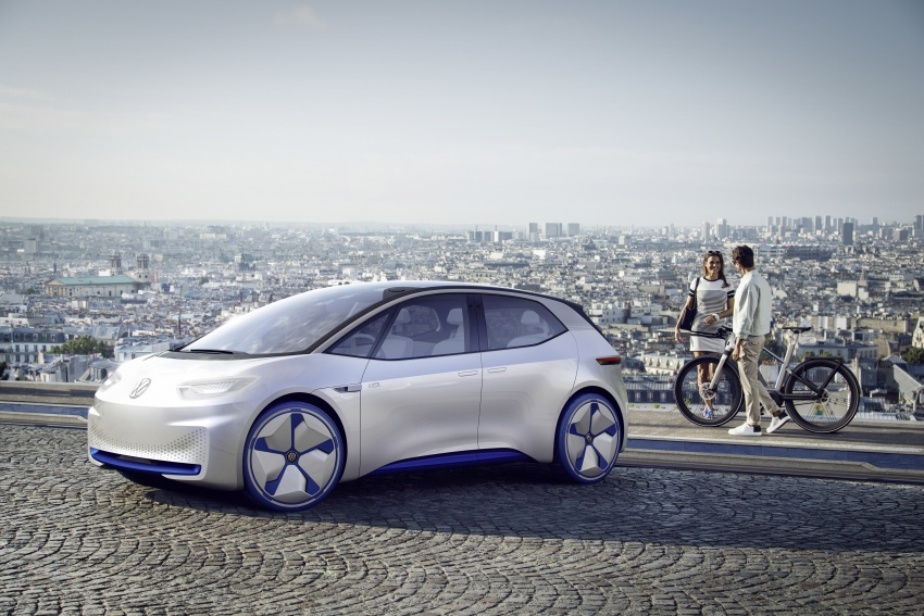 Volkswagen ID. concept previews new electric vehicle – 600 km range, on sale in 2020, autonomous in 2025 Image #557212