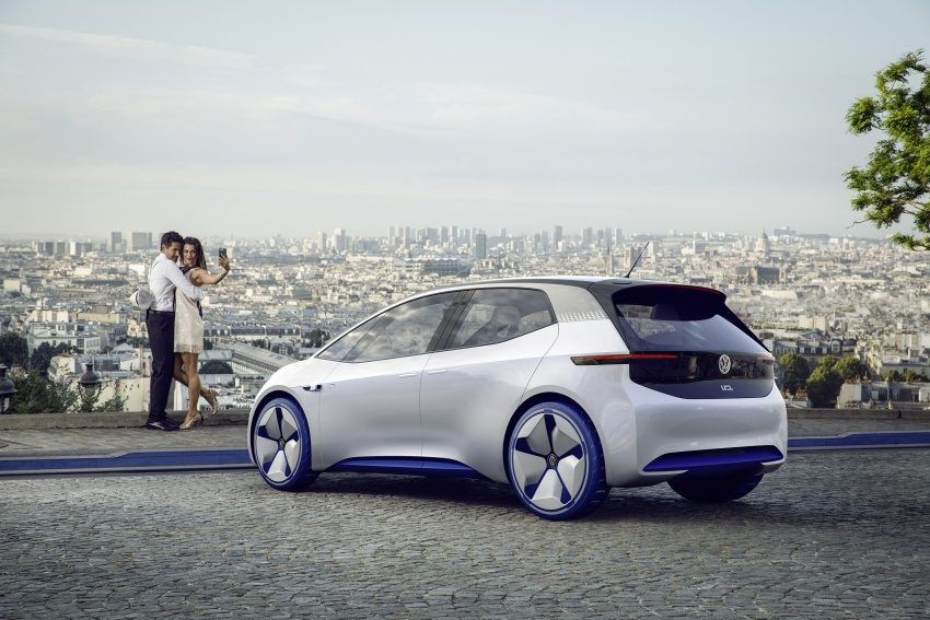 Volkswagen ID. concept previews new electric vehicle – 600 km range, on sale in 2020, autonomous in 2025 Image #557213