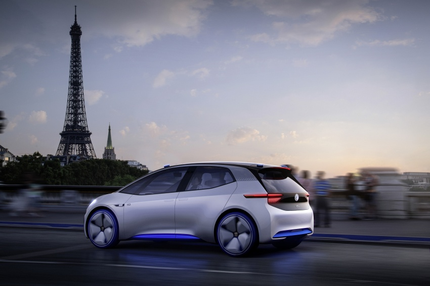Volkswagen ID. concept previews new electric vehicle – 600 km range, on sale in 2020, autonomous in 2025 Image #557217