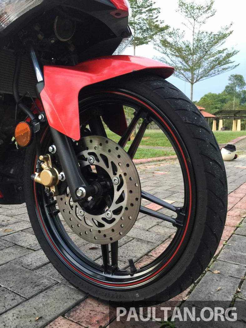 Honda RS150R vs Yamaha Y15ZR – Dua model terhangat bersemuka dalam segmen kapcai sports Image #549553