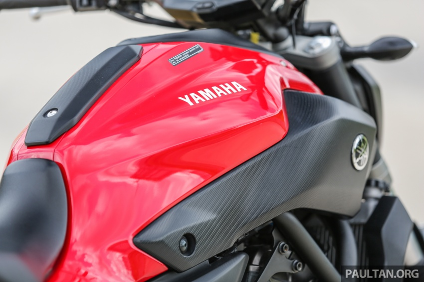 REVIEW: 2016 Yamaha MT-07 – a hooligan bike in commuter clothing, with some touring on the side Image #551045