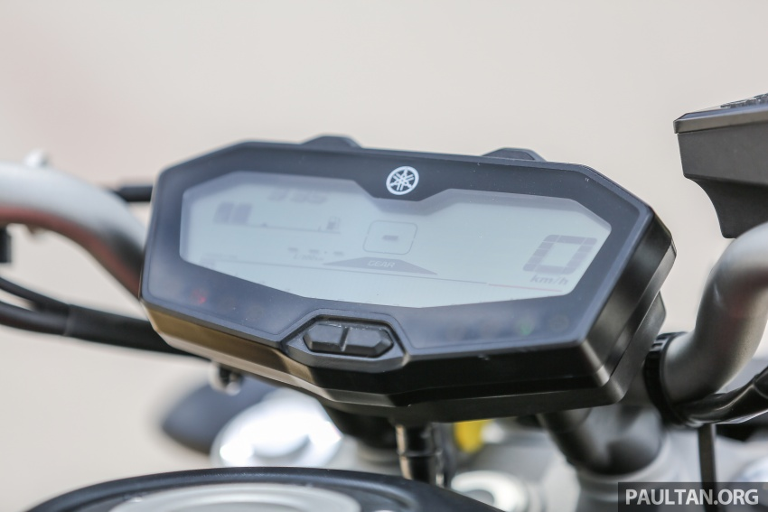 REVIEW: 2016 Yamaha MT-07 – a hooligan bike in commuter clothing, with some touring on the side Image #551046