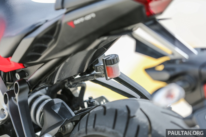 REVIEW: 2016 Yamaha MT-07 – a hooligan bike in commuter clothing, with some touring on the side Image #551054
