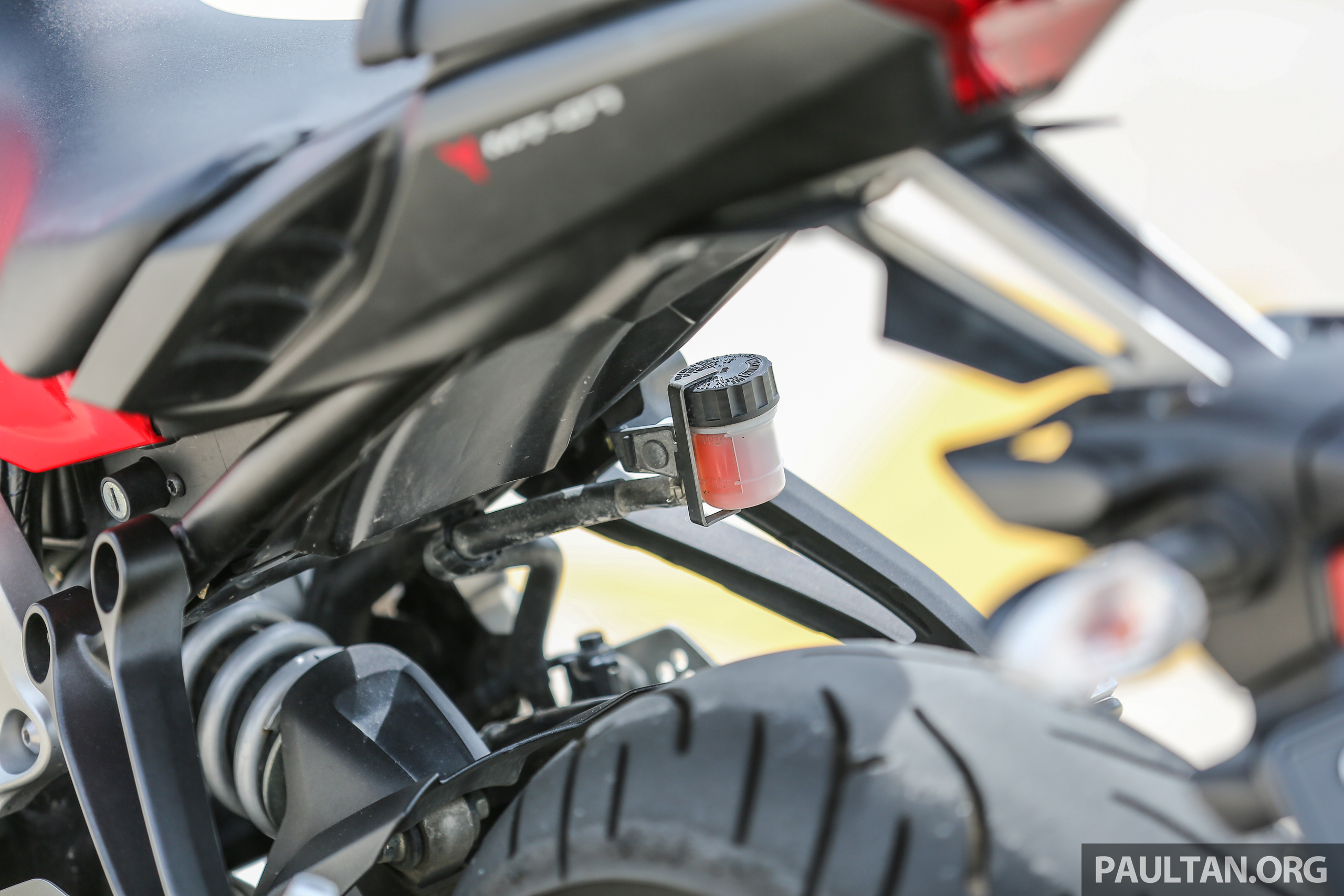 REVIEW: 2016 Yamaha MT-07 - a hooligan bike in commuter