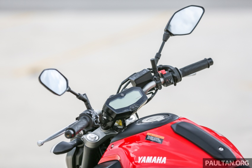 REVIEW: 2016 Yamaha MT-07 – a hooligan bike in commuter clothing, with some touring on the side Image #551063
