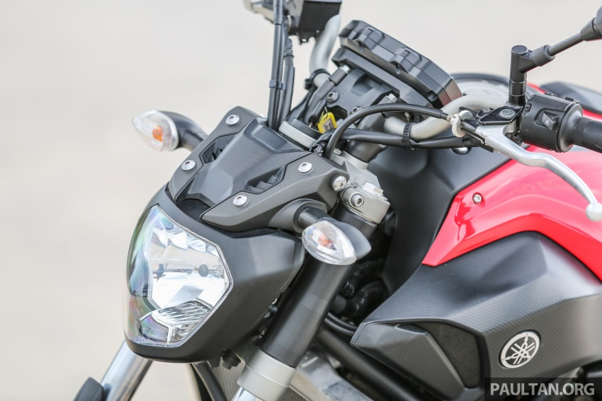 REVIEW: 2016 Yamaha MT-07 – a hooligan bike in commuter clothing, with some touring on the side Image #551073