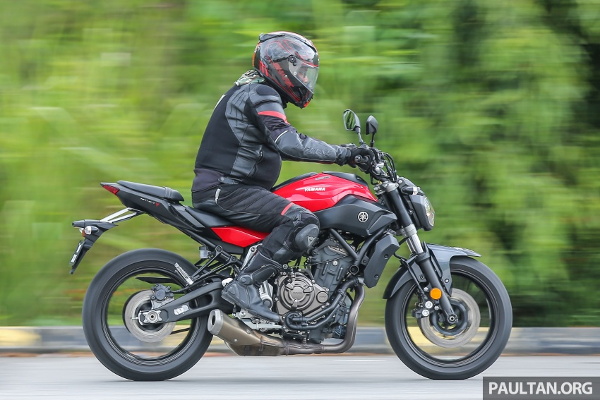 REVIEW: 2016 Yamaha MT-07 – a hooligan bike in commuter clothing, with some touring on the side Image #551084