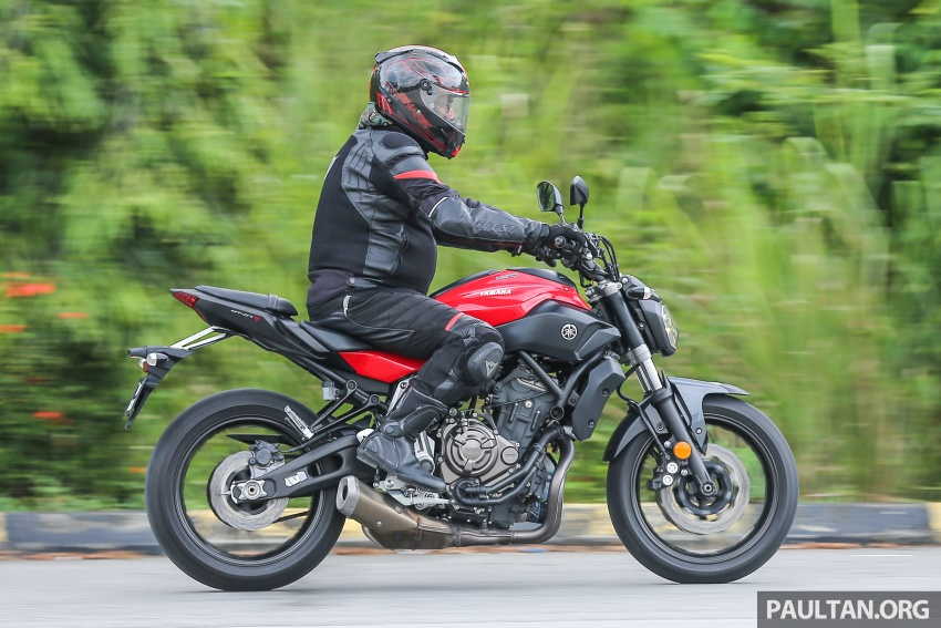 REVIEW: 2016 Yamaha MT-07 – a hooligan bike in commuter clothing, with some touring on the side Image #551086