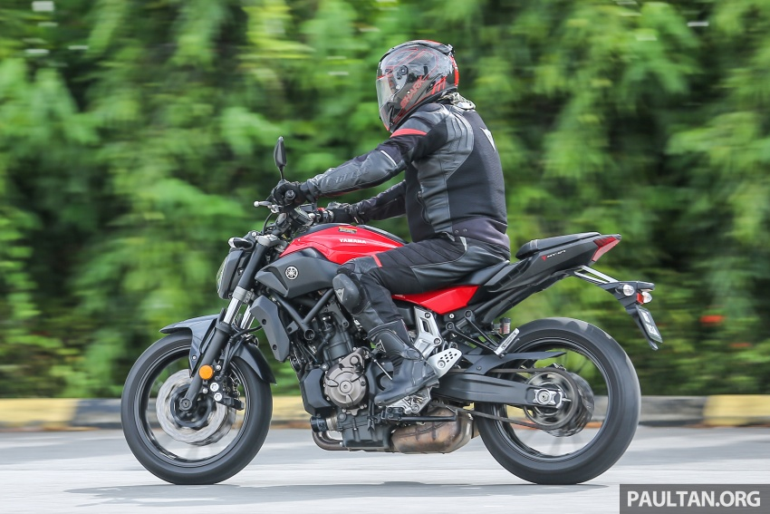 REVIEW: 2016 Yamaha MT-07 – a hooligan bike in commuter clothing, with some touring on the side Image #551093