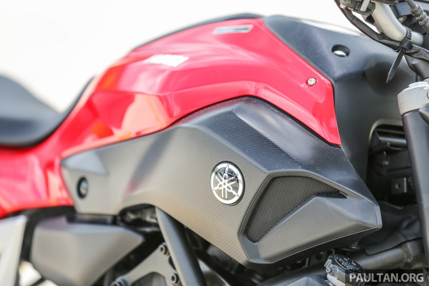REVIEW: 2016 Yamaha MT-07 – a hooligan bike in commuter clothing, with some touring on the side Image #551034