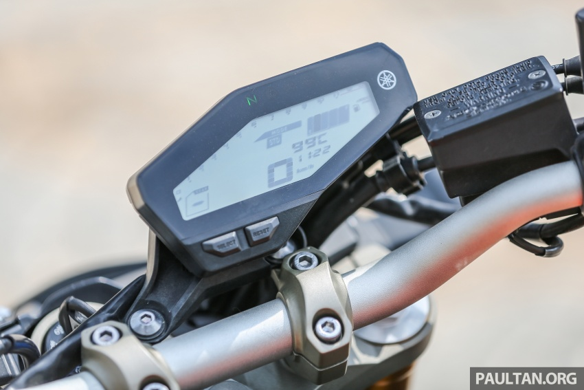 REVIEW: 2015 Yamaha MT-09 – more is always better? Image #557566
