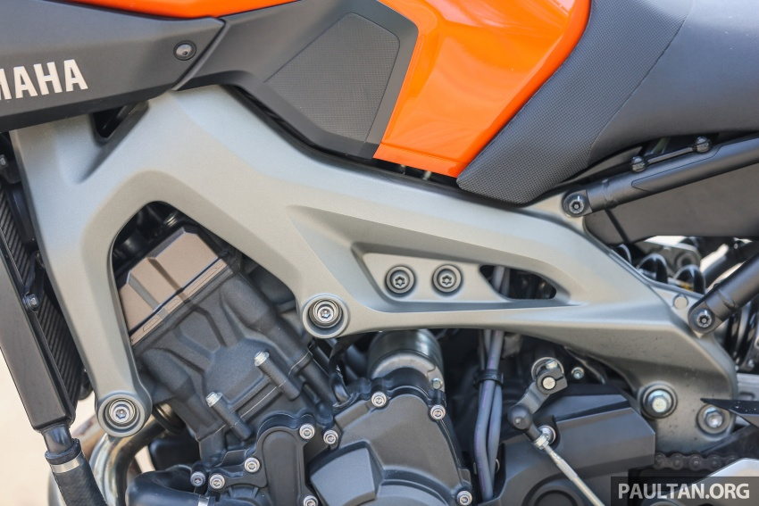 REVIEW: 2015 Yamaha MT-09 – more is always better? Image #557579