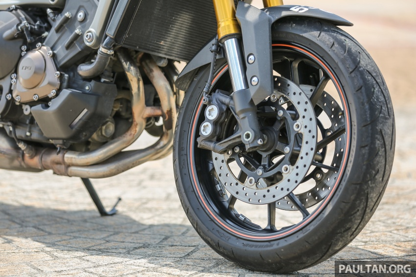 REVIEW: 2015 Yamaha MT-09 – more is always better? Image #557587