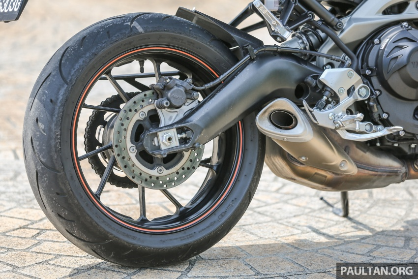 REVIEW: 2015 Yamaha MT-09 – more is always better? Image #557594