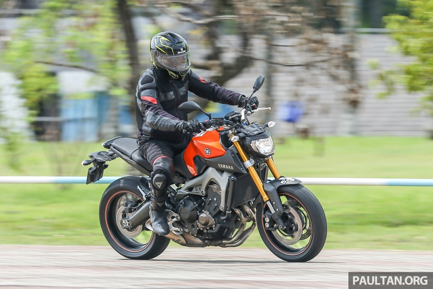REVIEW: 2015 Yamaha MT-09 – more is always better? Image #557606