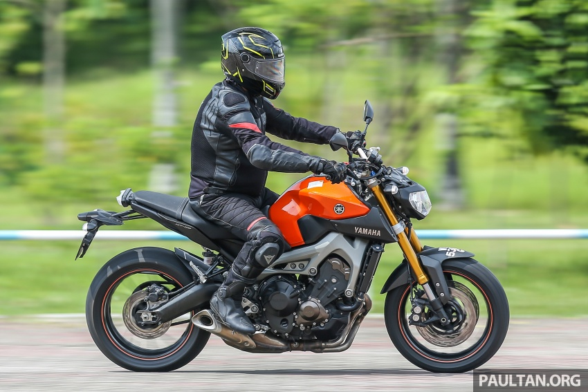 REVIEW: 2015 Yamaha MT-09 – more is always better? Image #557607
