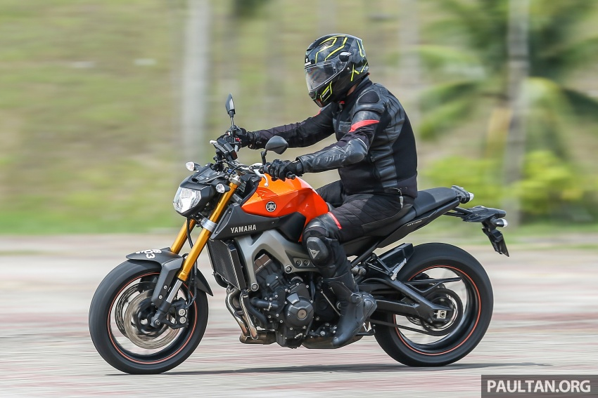REVIEW: 2015 Yamaha MT-09 – more is always better? Image #557609
