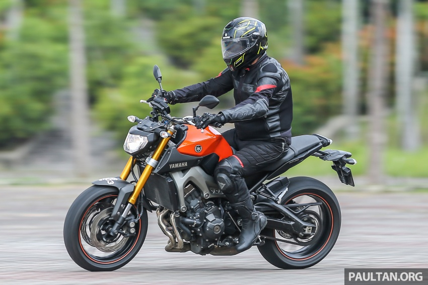 REVIEW: 2015 Yamaha MT-09 – more is always better? Image #557614