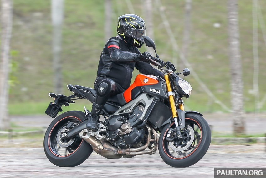 REVIEW: 2015 Yamaha MT-09 – more is always better? Image #557618