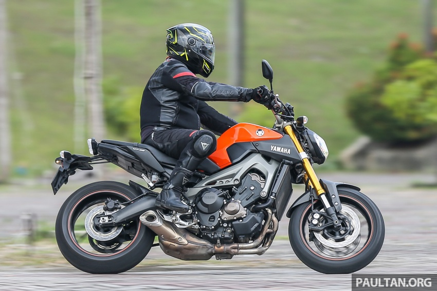 REVIEW: 2015 Yamaha MT-09 – more is always better? Image #557619