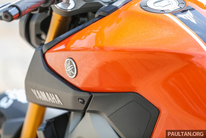 REVIEW: 2015 Yamaha MT-09 – more is always better? Image #557563