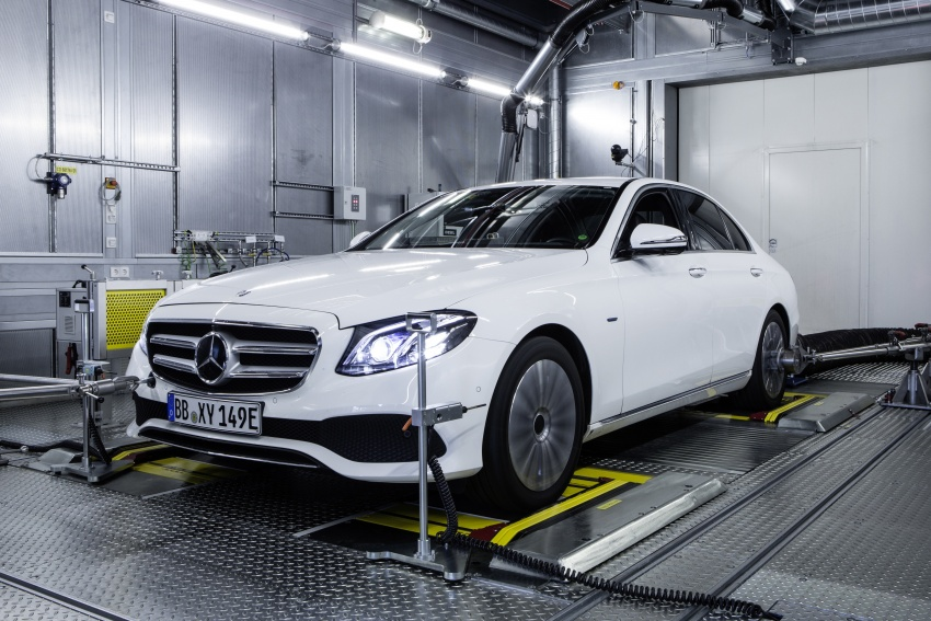 Mercedes-Benz reveals first details of new engine family – 48V, mild hybrid and electric turbo Image #571627