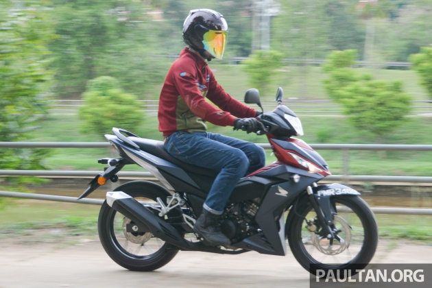 2016-honda-rs150r-action-9