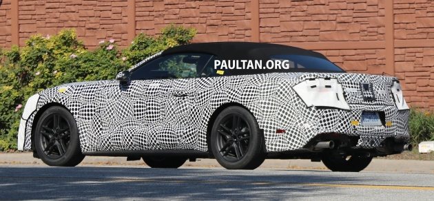 2017-ford-mustang-convertible-spy-11_bm