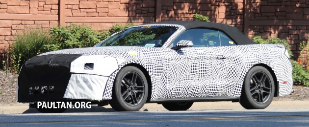 2017-ford-mustang-convertible-spy-3
