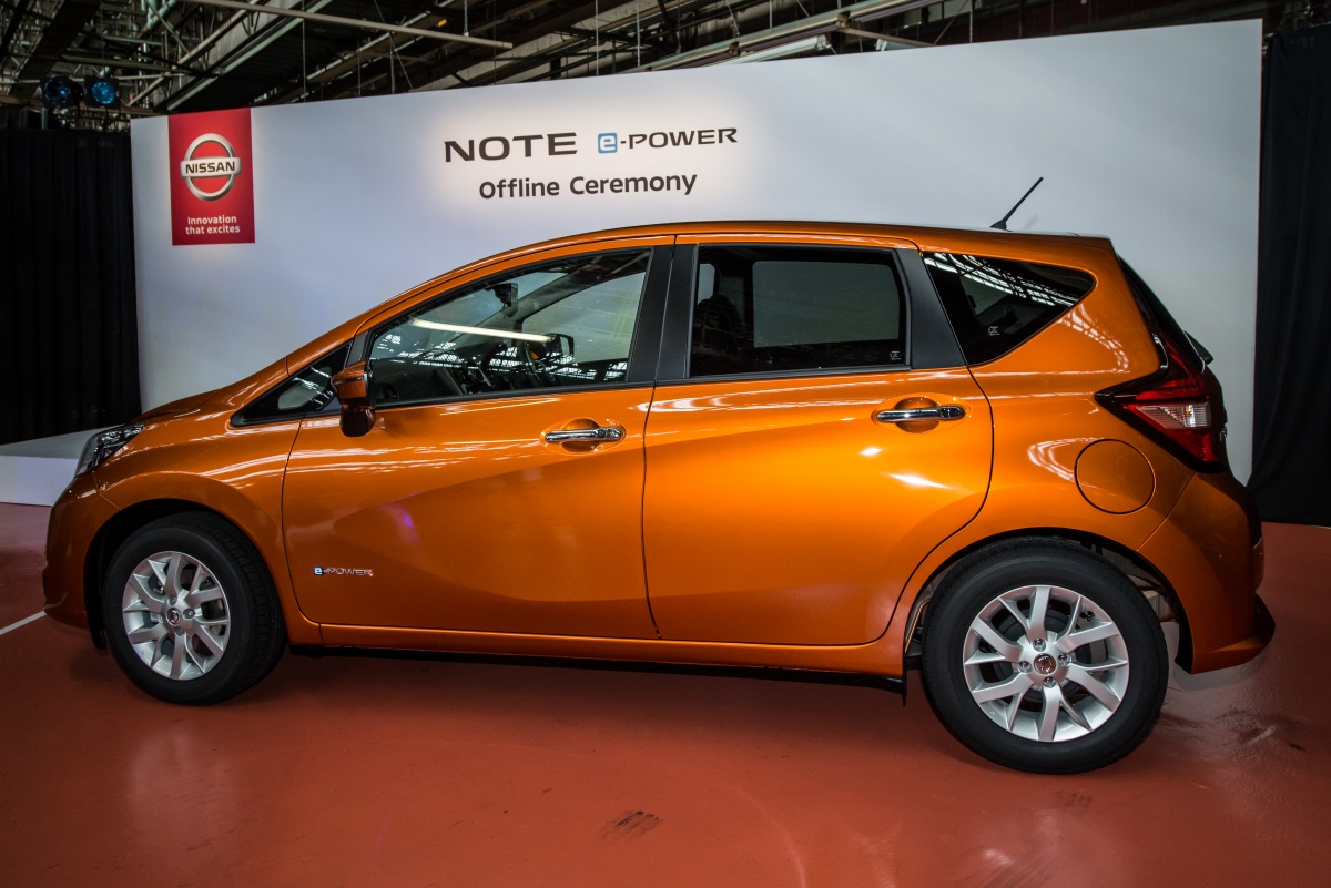 2016 - [Nissan] Note Facelift - Page 2 2017-Nissan-Note-production-started-1-1200x801