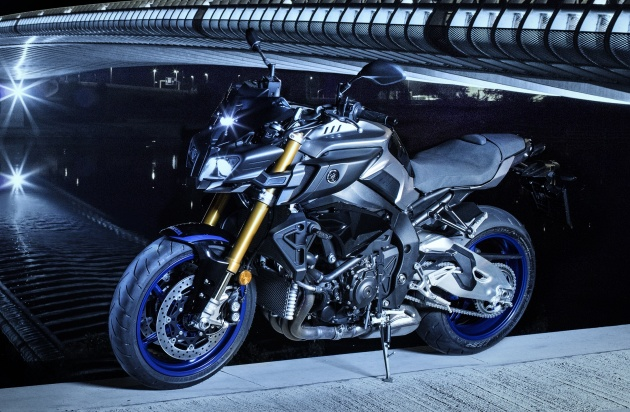 2017 Yamaha MT-10 updated with quickshifter, MT-10 SP gets YZF-R1M