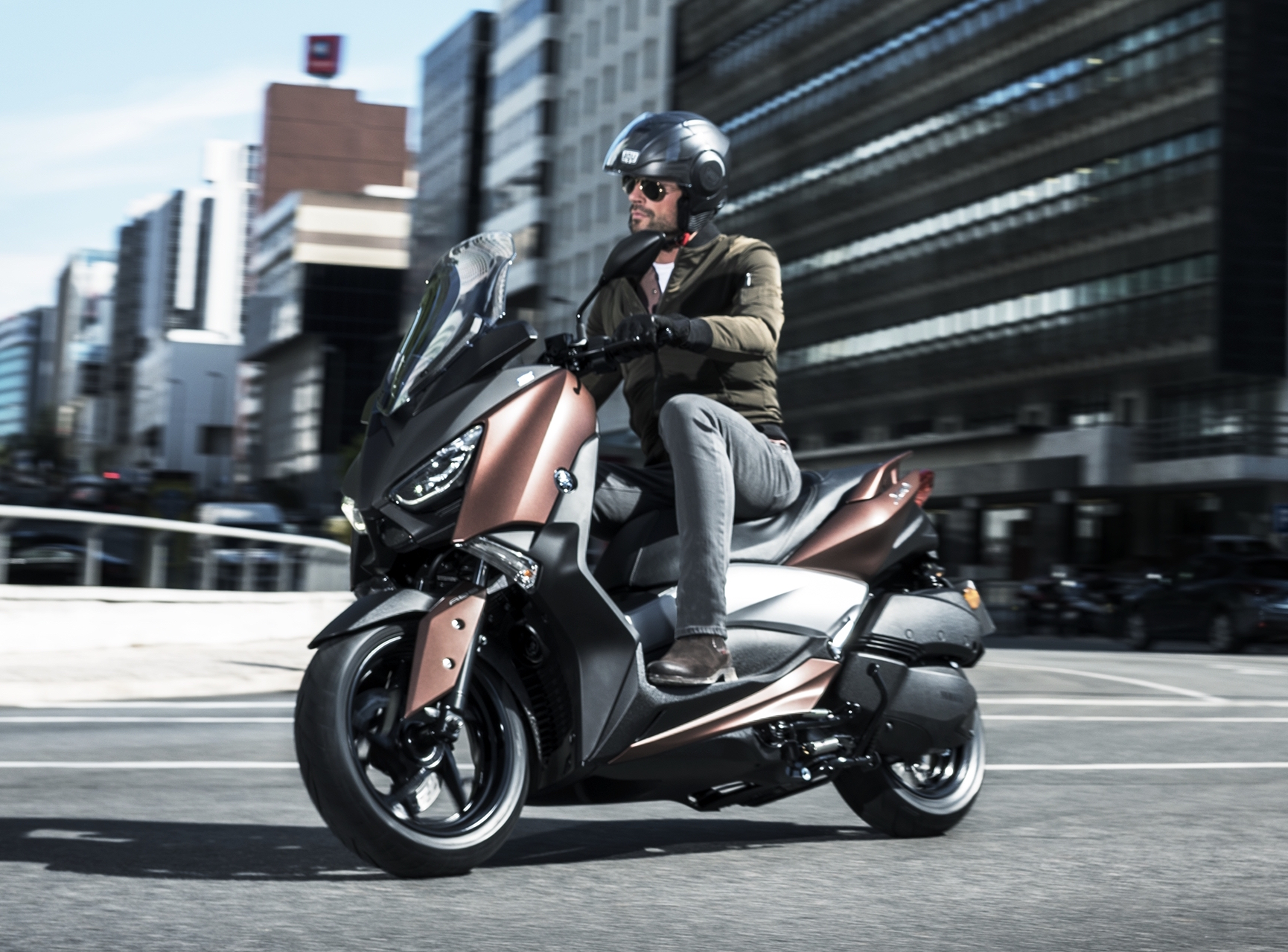 2017 yamaha x max 300 scooter launched in europe. Black Bedroom Furniture Sets. Home Design Ideas