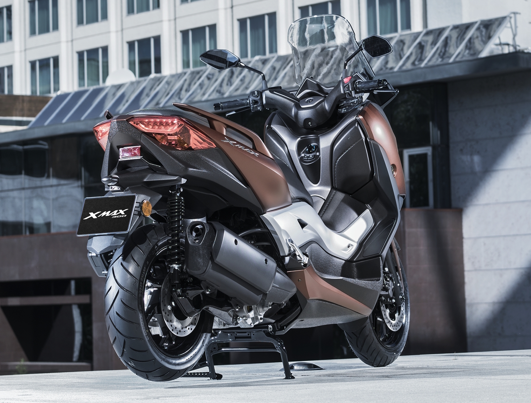 2017 yamaha x max 300 scooter launched in europe paul tan. Black Bedroom Furniture Sets. Home Design Ideas