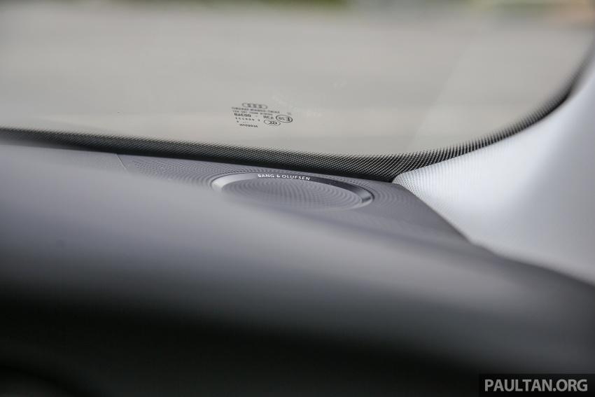 GALLERY: Audi A4 – current B9 vs previous-gen B8 Image #561072