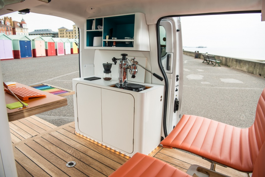 Nissan e-NV200 Workspace – the future of the office? Image #570277